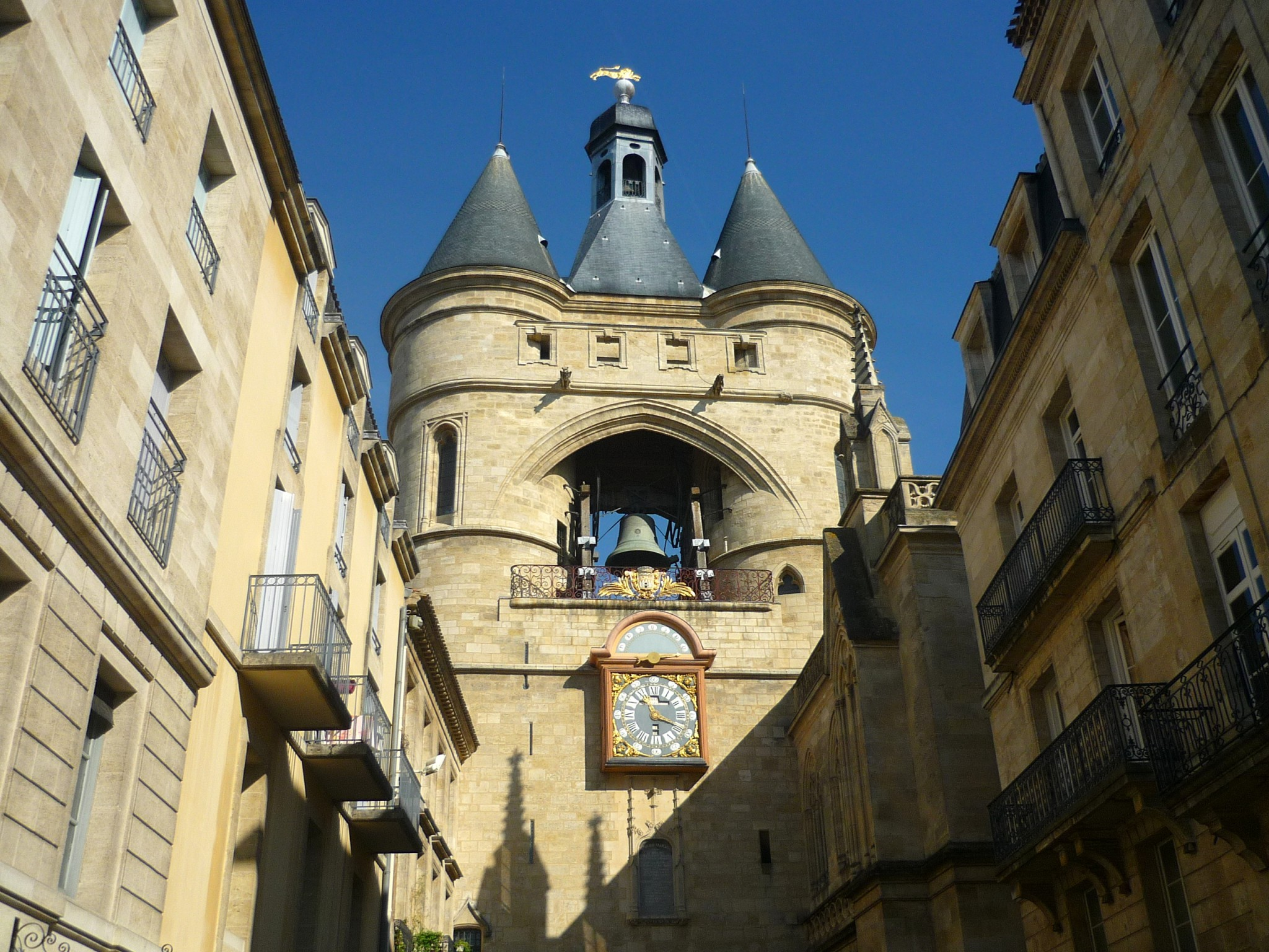 Bordeaux old town french moments for Appartement bordeaux grosse cloche