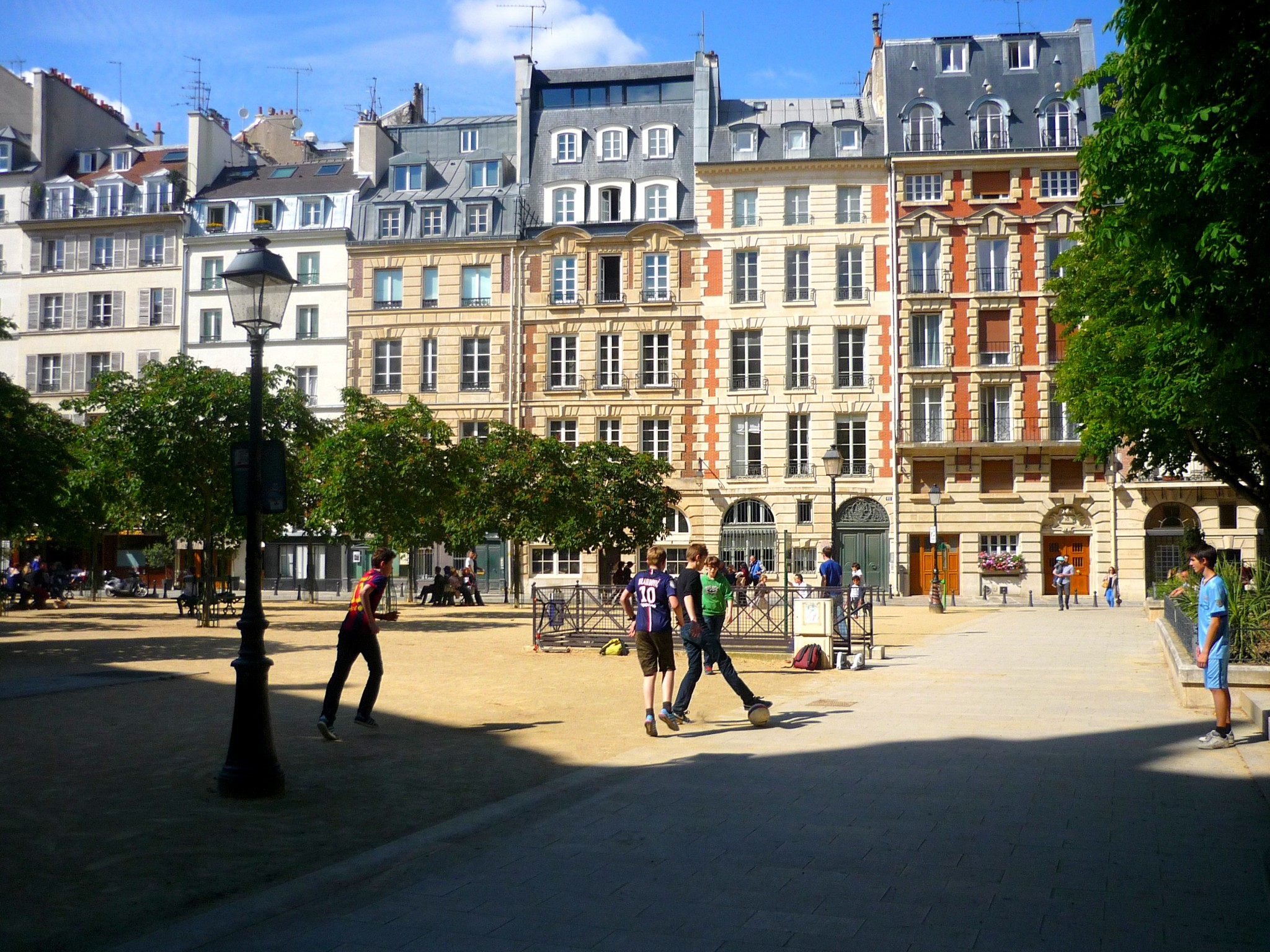 Place Dauphine Paris French Moments