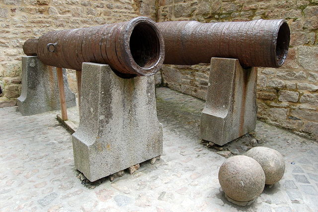 cannons_abandonded_by_thomas_scalles_at_mont_saint-michel