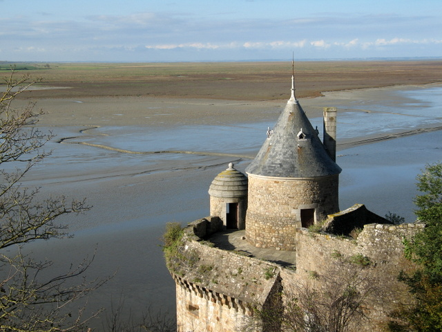 the-tower-saint-gabriel- © Gaël Chardon Licence CC BY-SA 3.0, from Wikimedia Commons