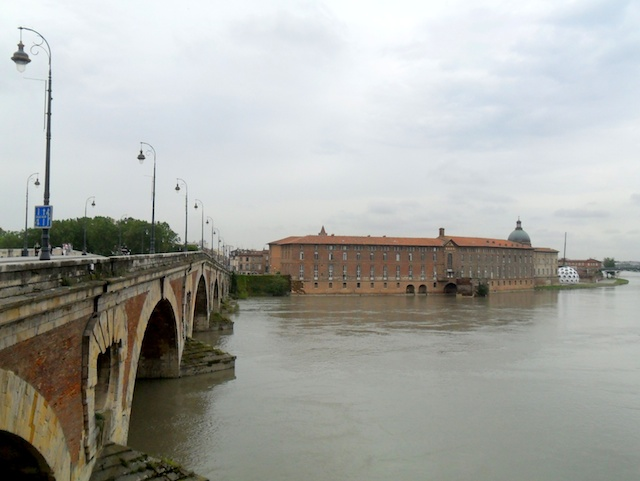 toulouse-18-copyright-claire-giraud-french-moments