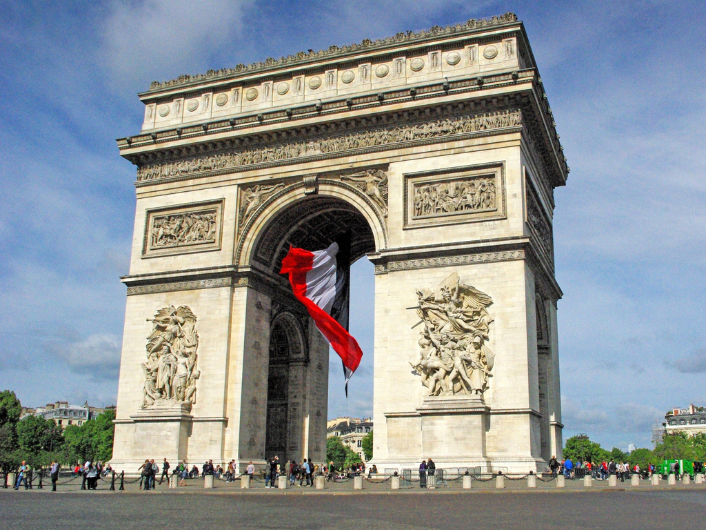 arc de triomphe and giant french flag french moments french moments. Black Bedroom Furniture Sets. Home Design Ideas