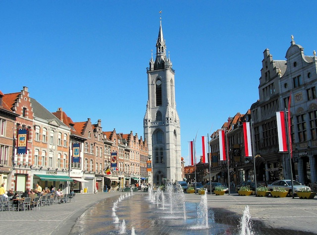 Tournai Belfry © Jean-Pol Grandmont, licence [CC-BY-SA-3.0], from Wikimedia Commons