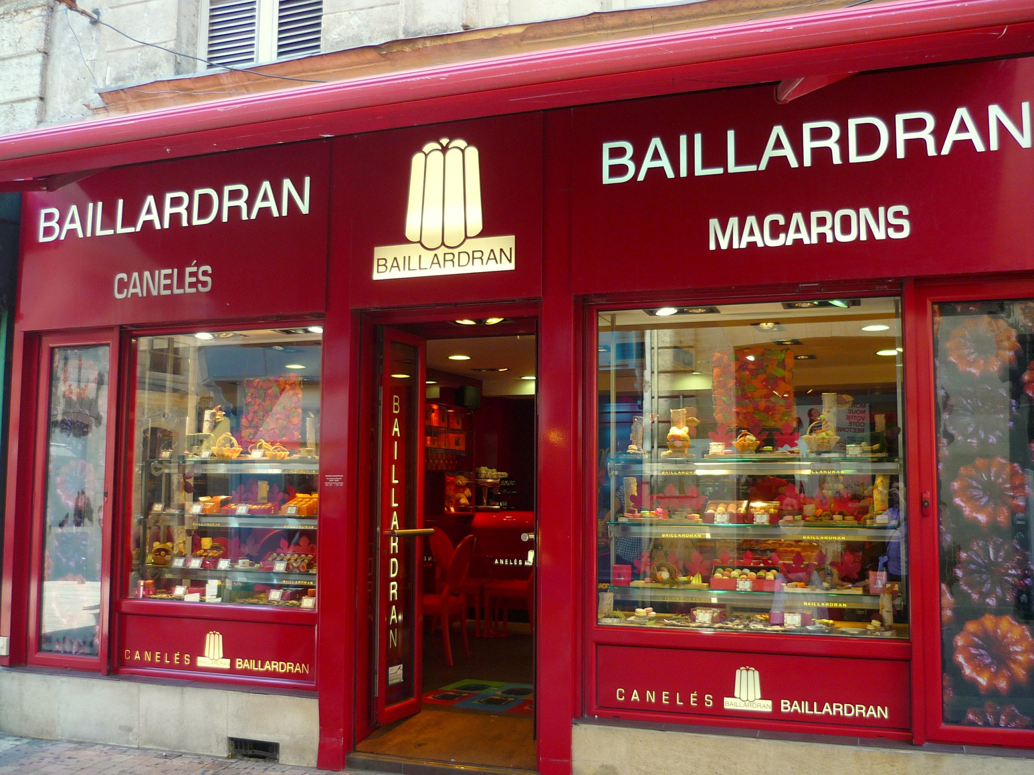 Baillardran canelés store in Bordeaux © French Moments