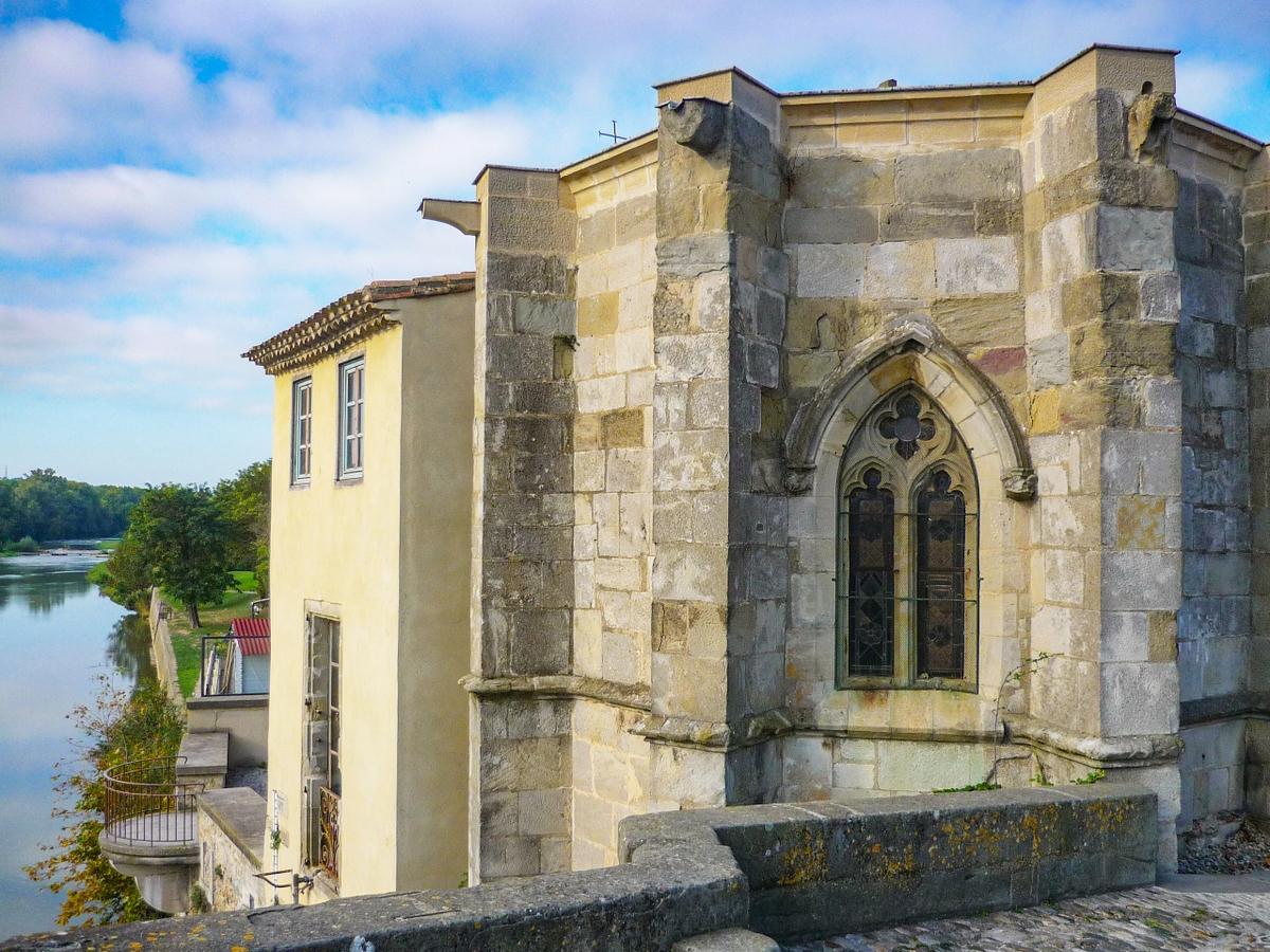Cité of Carcassonne - The chapel of Notre-Dame-de-la-Santé by Pont-Vieux © French Moments