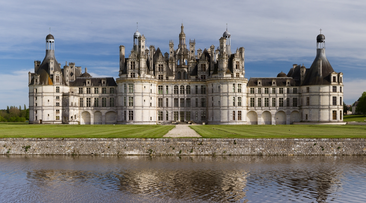 Chambord Castle Northwest facade © Benh LIEU SONG [CC BY-SA 3.0] from Wikimedia Commons