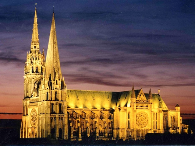 Chartres Cathedral © Chartres OT - Yvan Wemaere