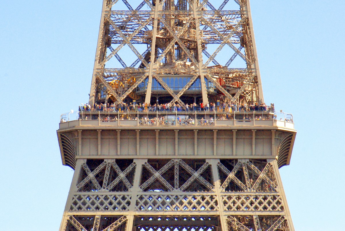 Eiffel Tower, Paris © French Moments