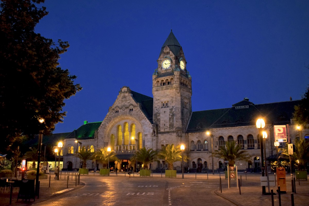 The railway station, Metz German Imperial District © French Moments
