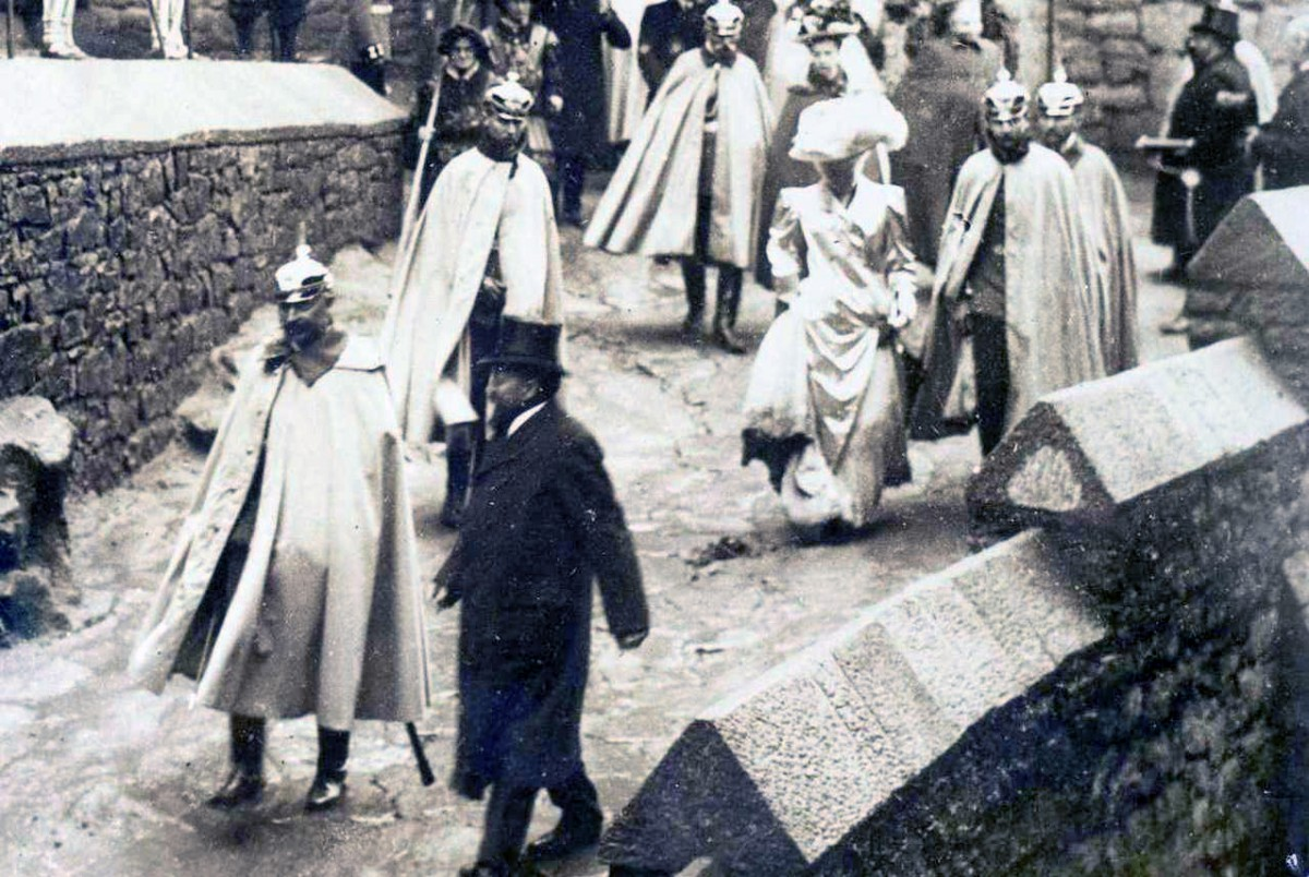 Kaiser William II at the Haut-Kœnigsbourg in 1908