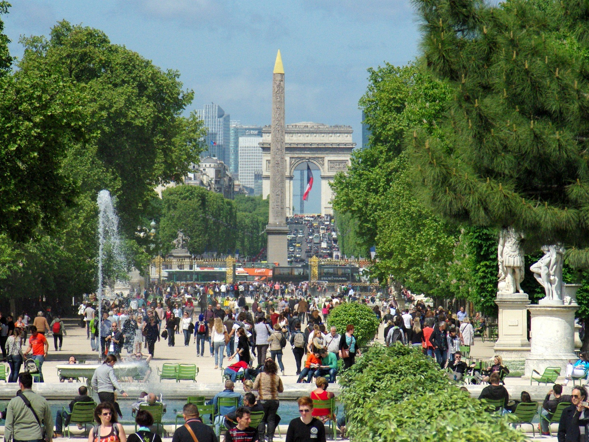 Parks and Gardens of Paris: the Historical Axis © French Moments
