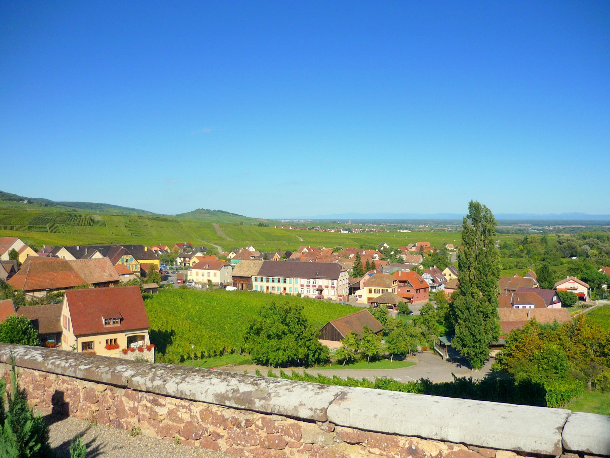 General view of Hunawihr, Alsace © French Moments