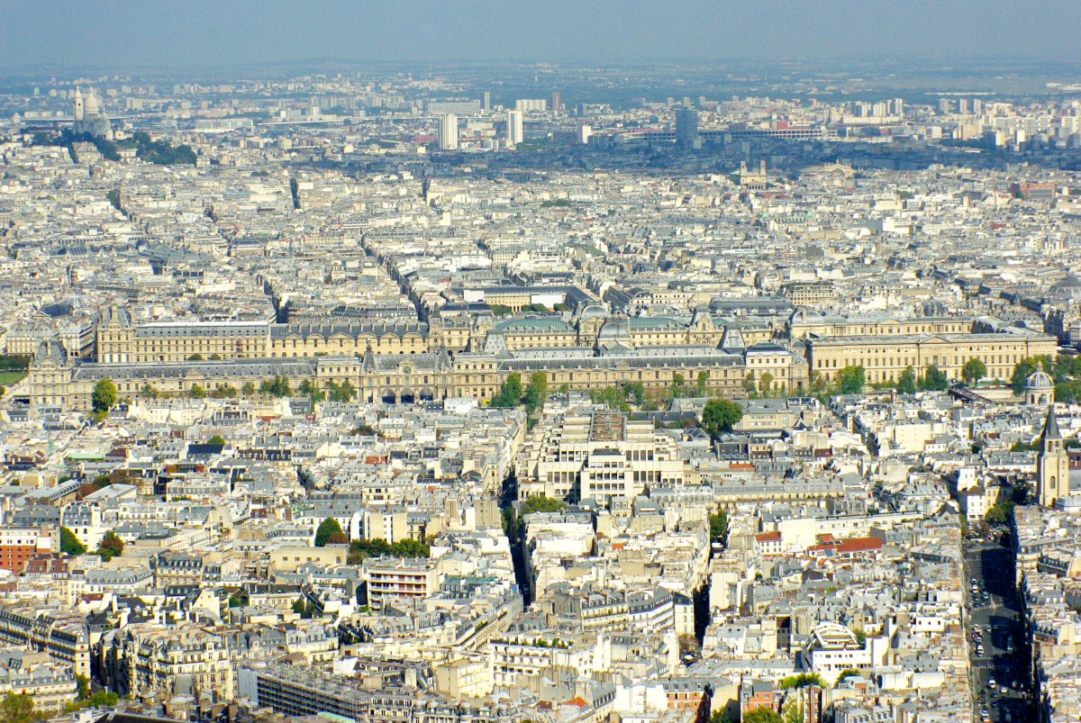 The Louvre seen from the Montparnasse Tower © French Moments