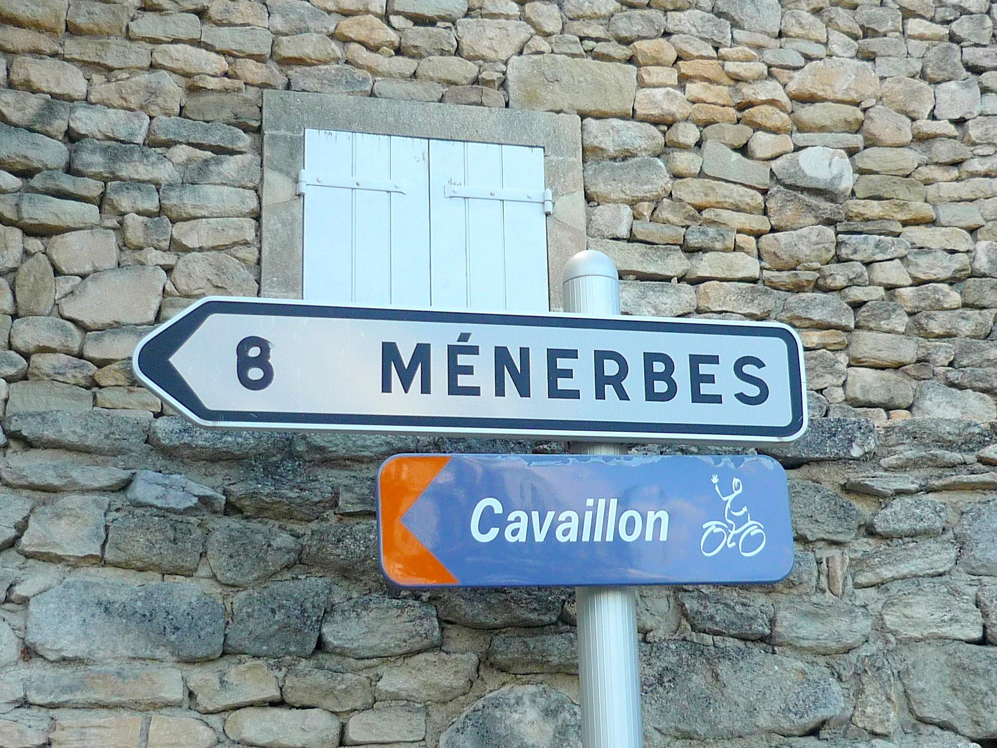 Ménerbes Luberon © French Moments