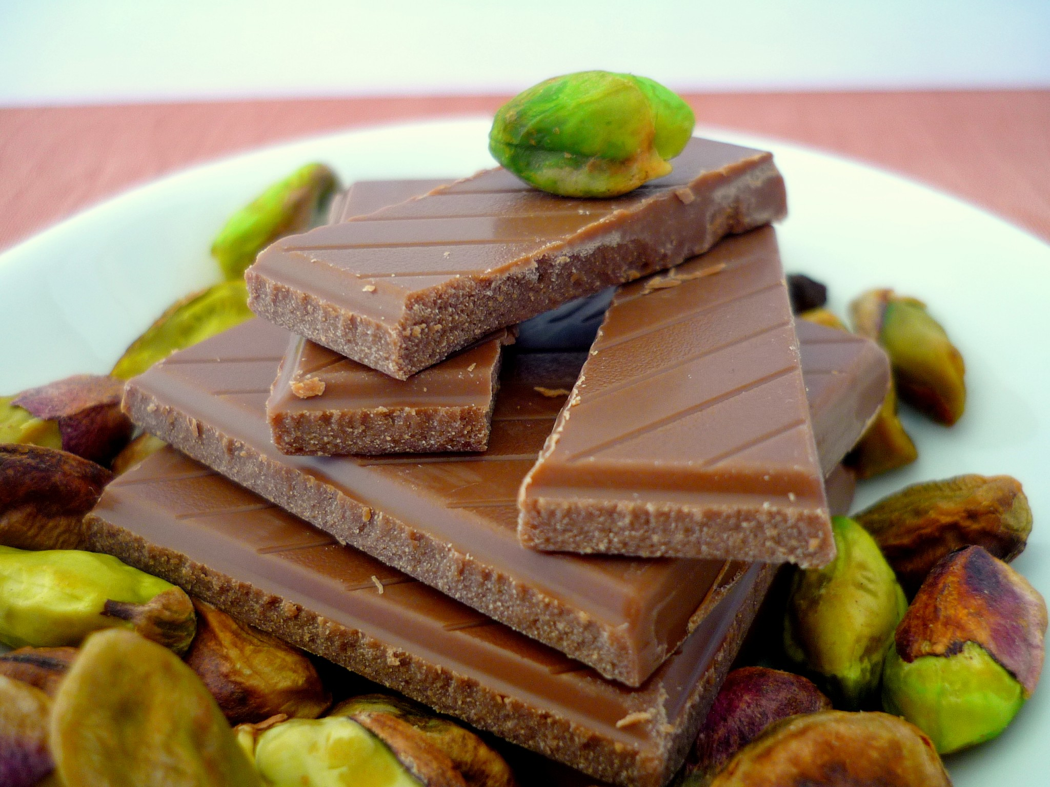 Chocolate and Pistachios for making macarons © French Moments