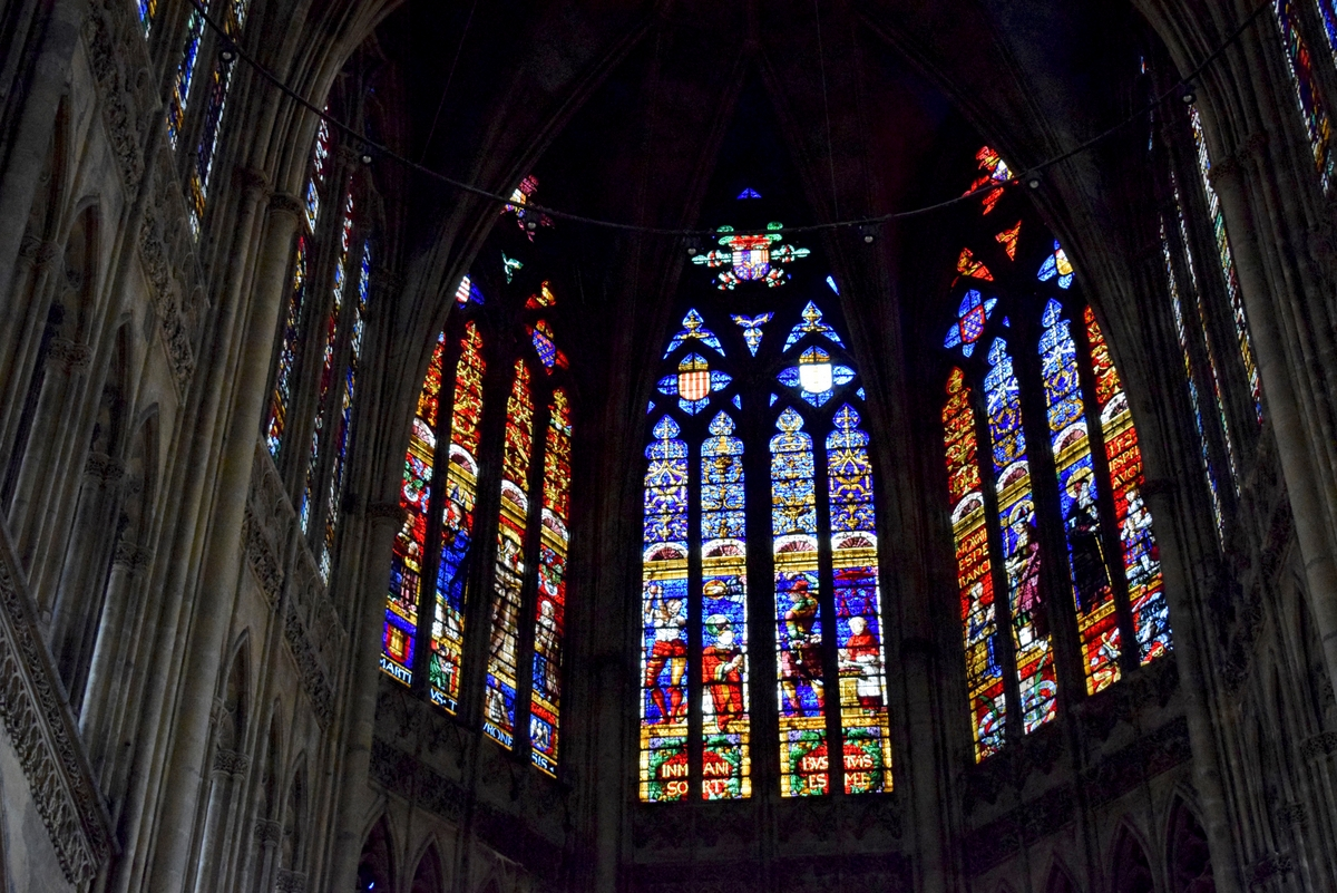 Stained-glass windows of Metz Cathedral © French Moments