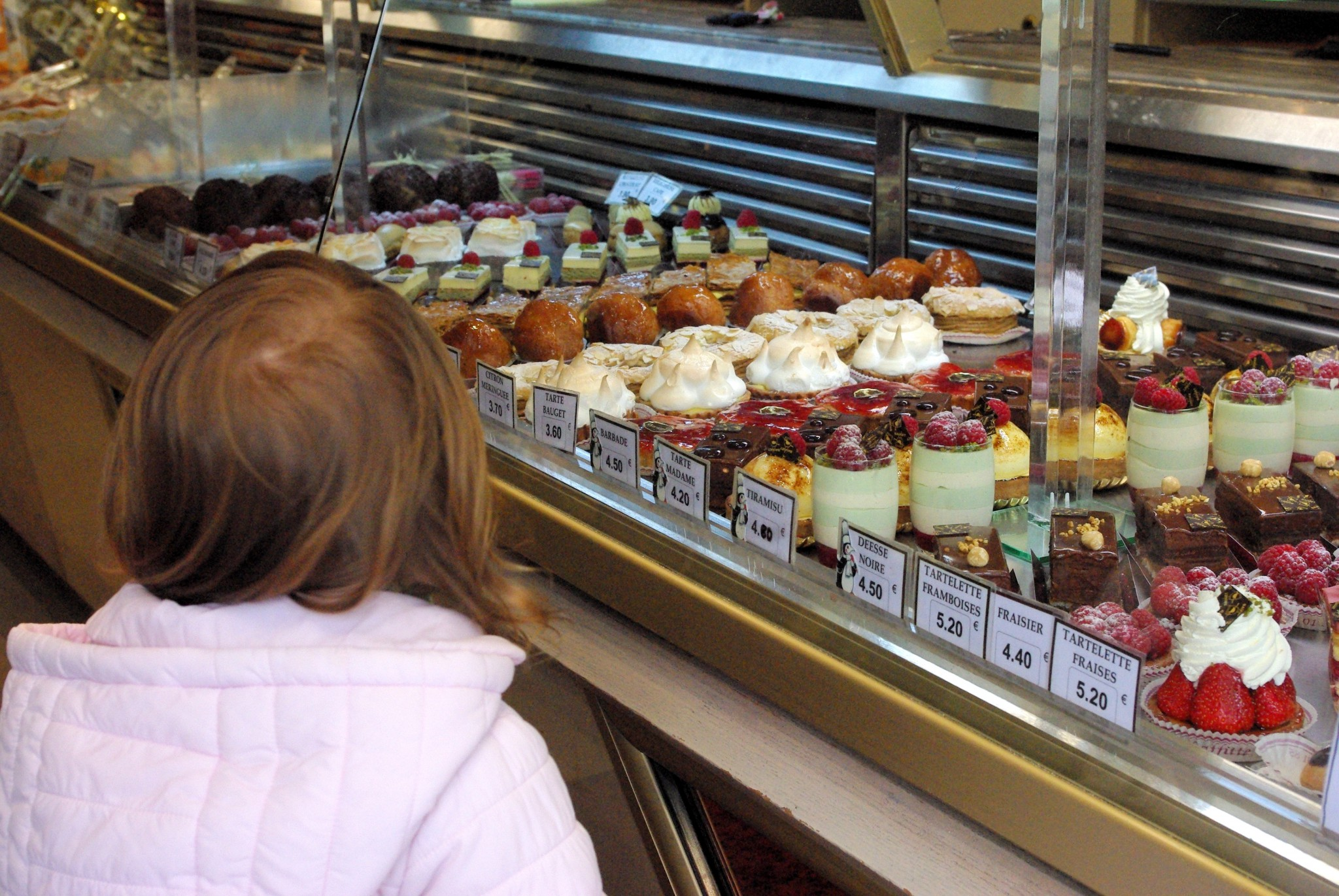 Delicious pâtisseries at Bauget in Maisons-Laffitte © French Moments