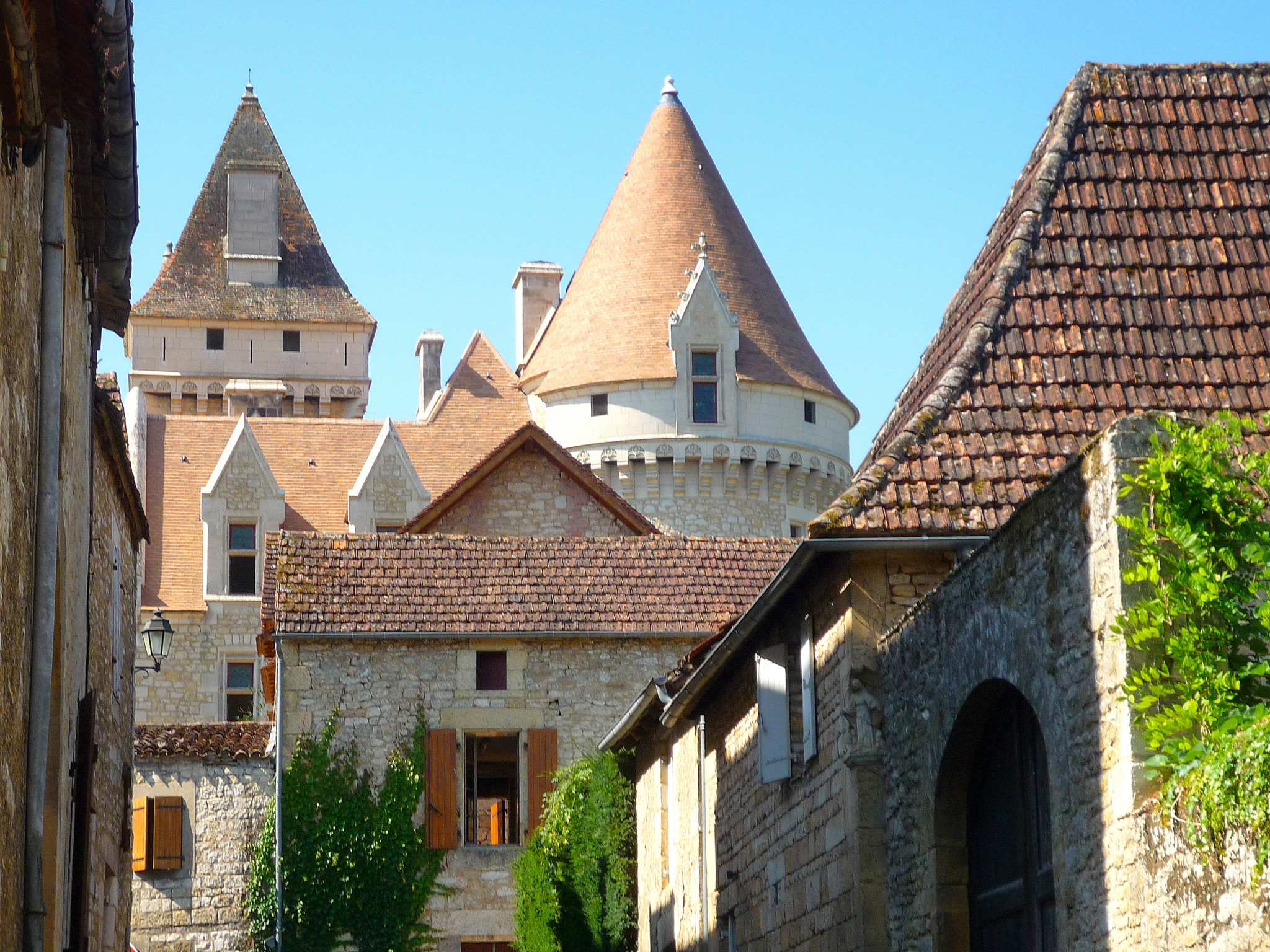 The towers of Les Milandes © French Moments