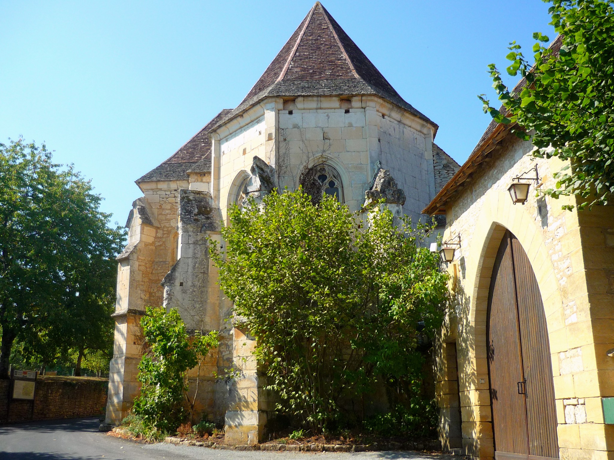 The chapel of the castle, Les Milandes © French Moments