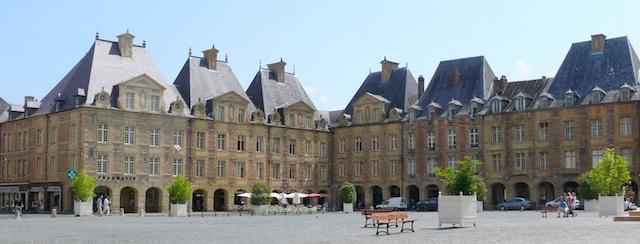 Place Ducale of Charleville Mézières, photo Ad Meskens