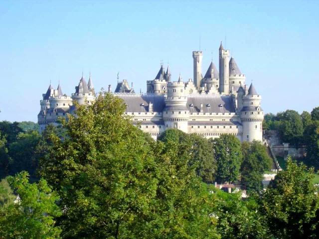 The castle of Pierrefonds © 2004 Idarvol de Wikipédia
