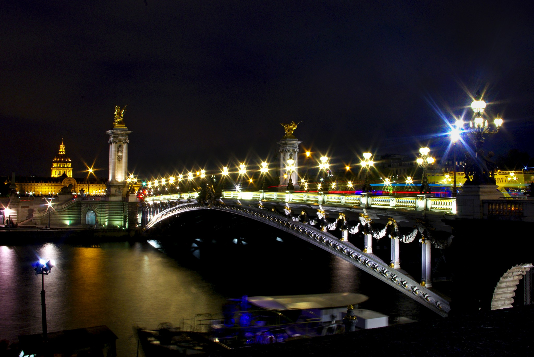 Pont Alexandre III at night © French Moments