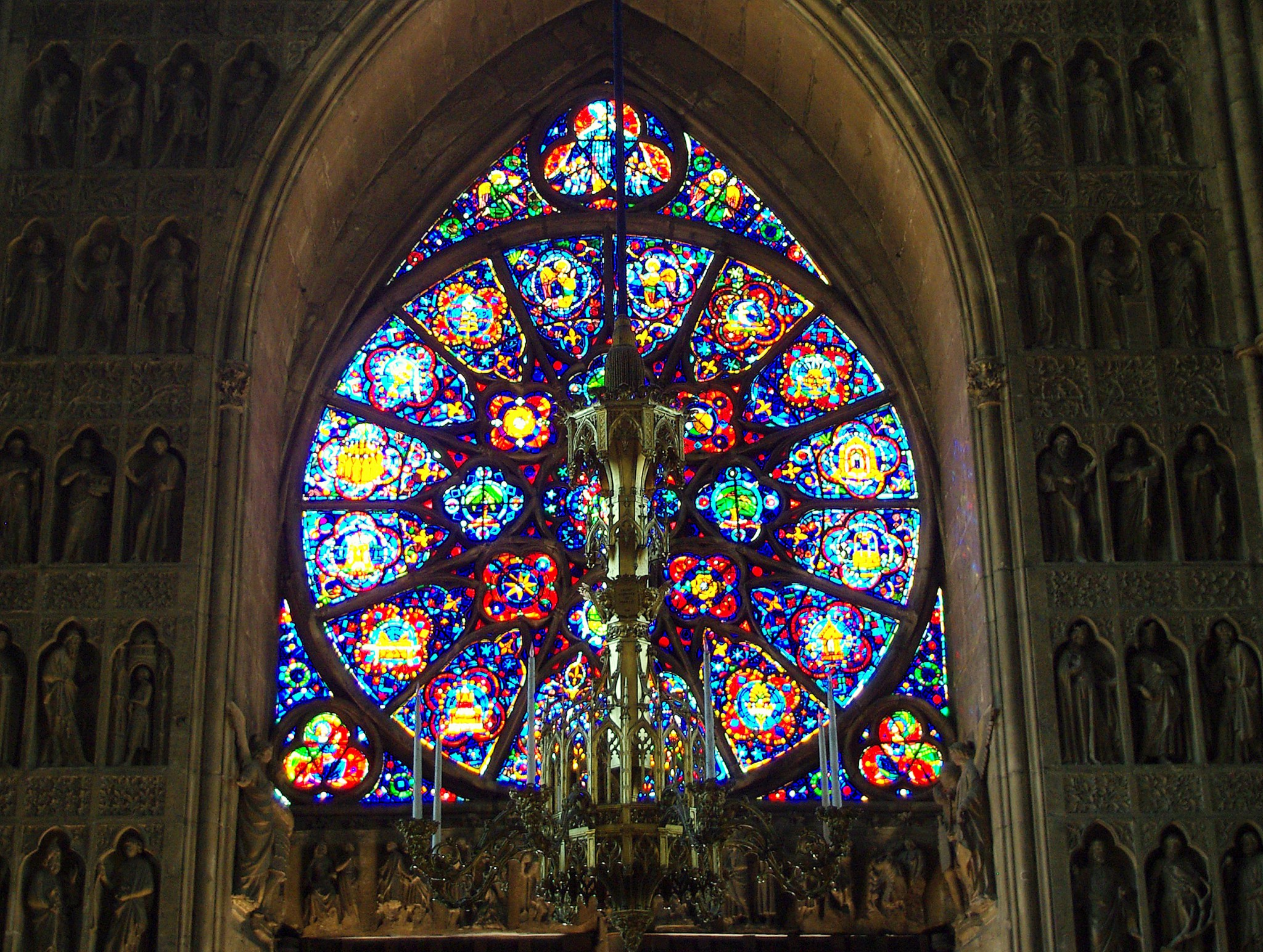 West rose window, Reims Cathedral © French Moments