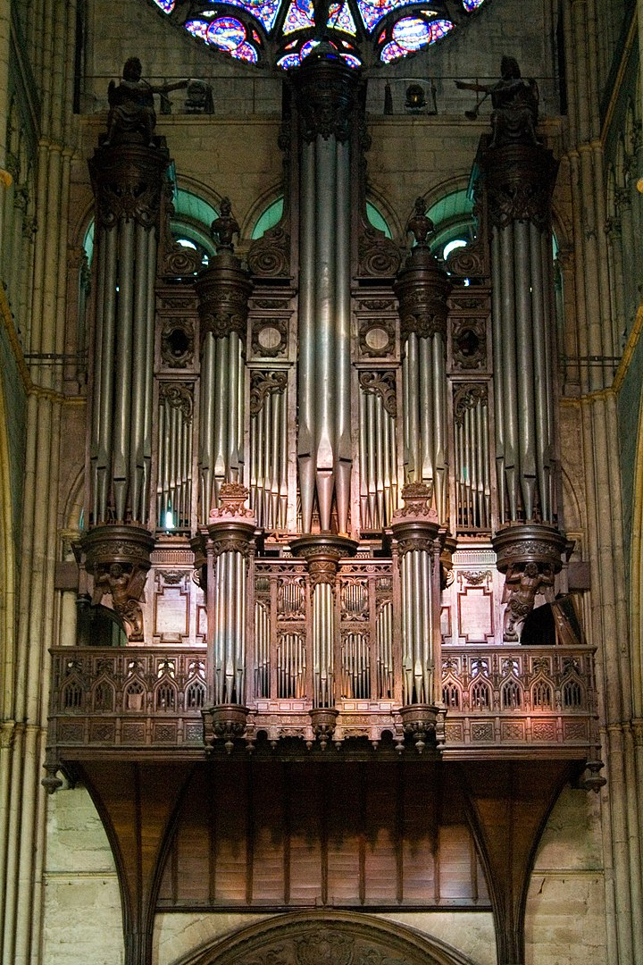 The Organ © Ludovic Péron - licence [CC BY-SA 3.0] from Wikimedia Commons