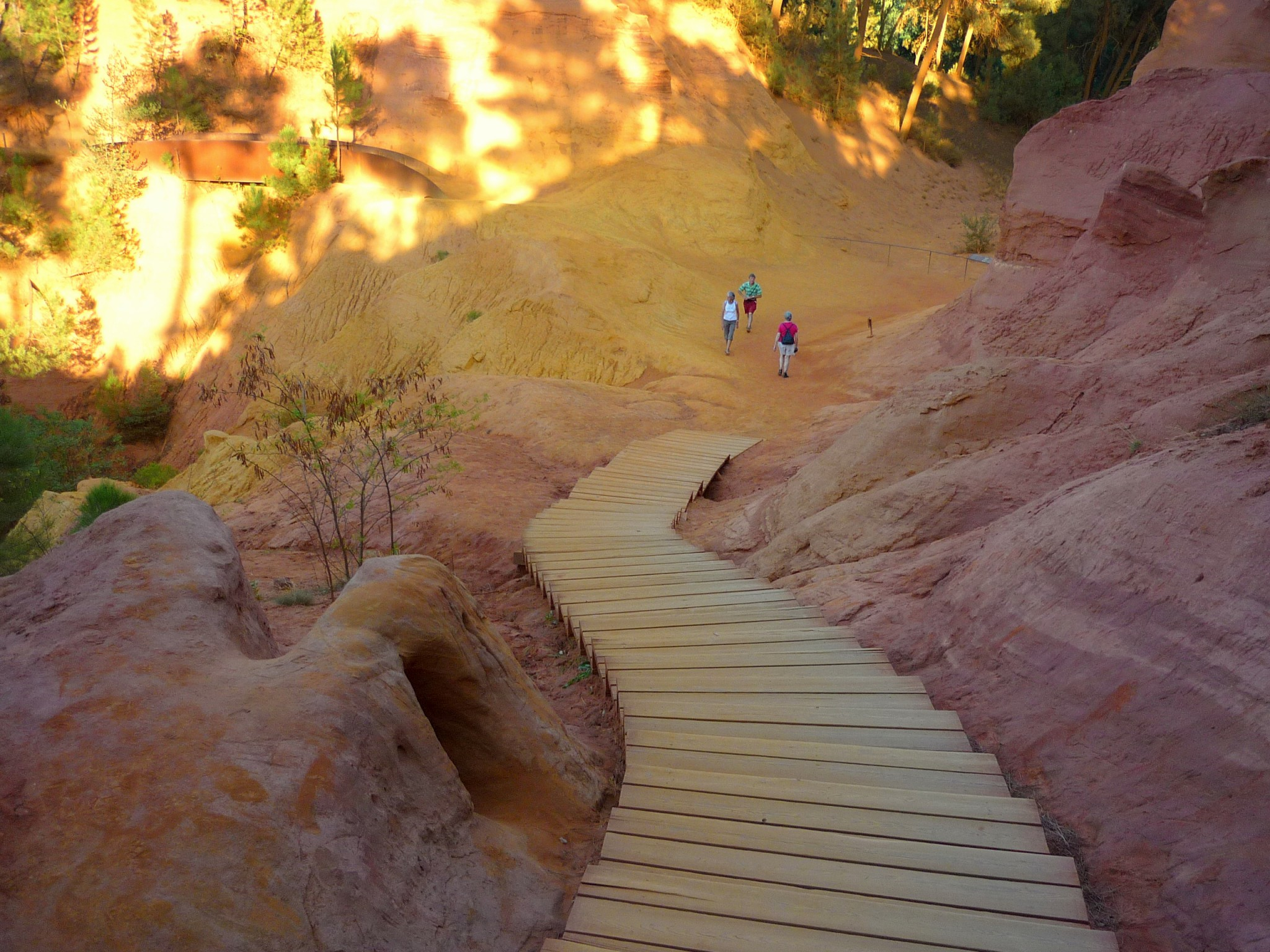 The Ochre Pathway, Roussillon © French Moments