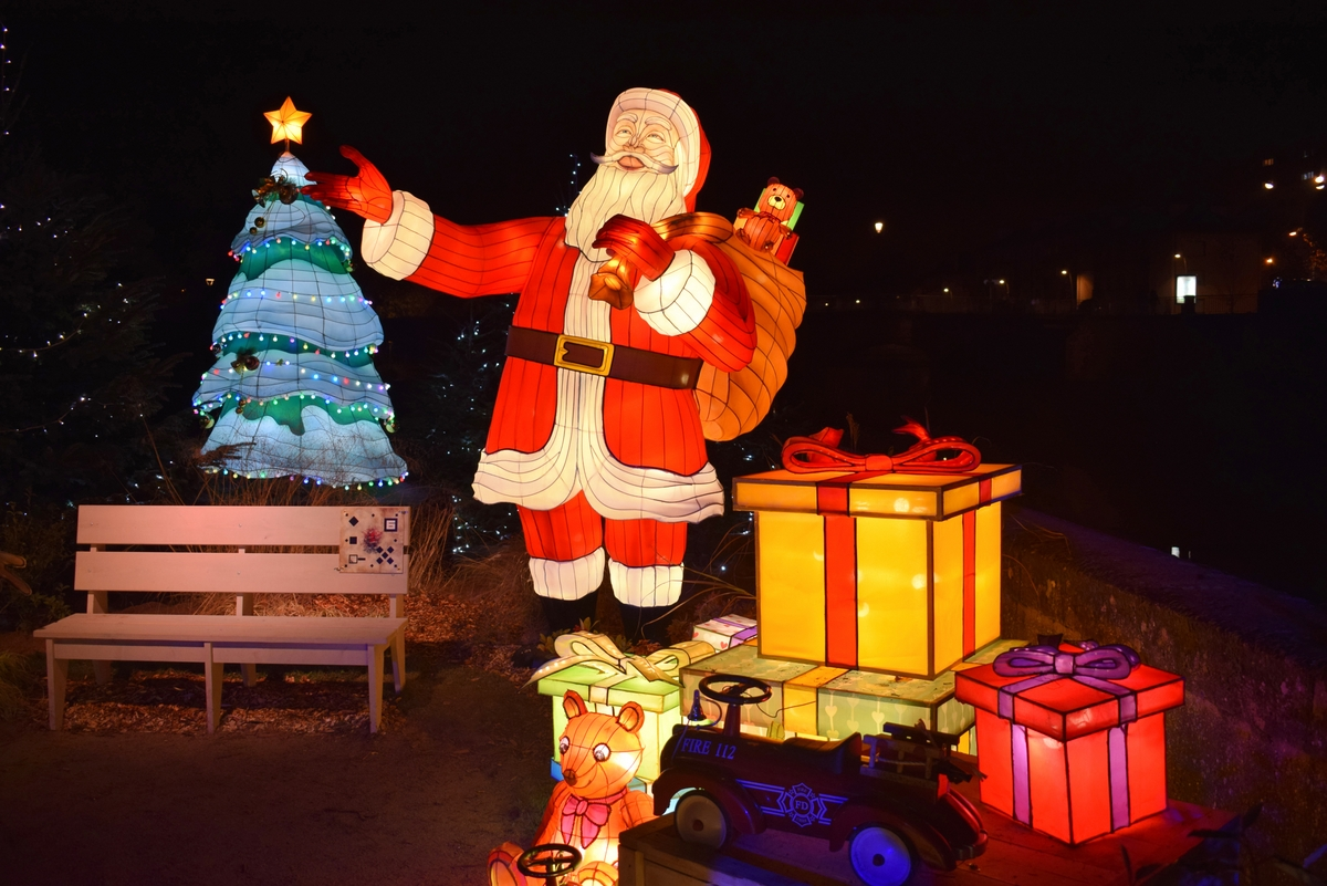 Santa Claus in France, Trail of Lanterns in Metz © French Moments