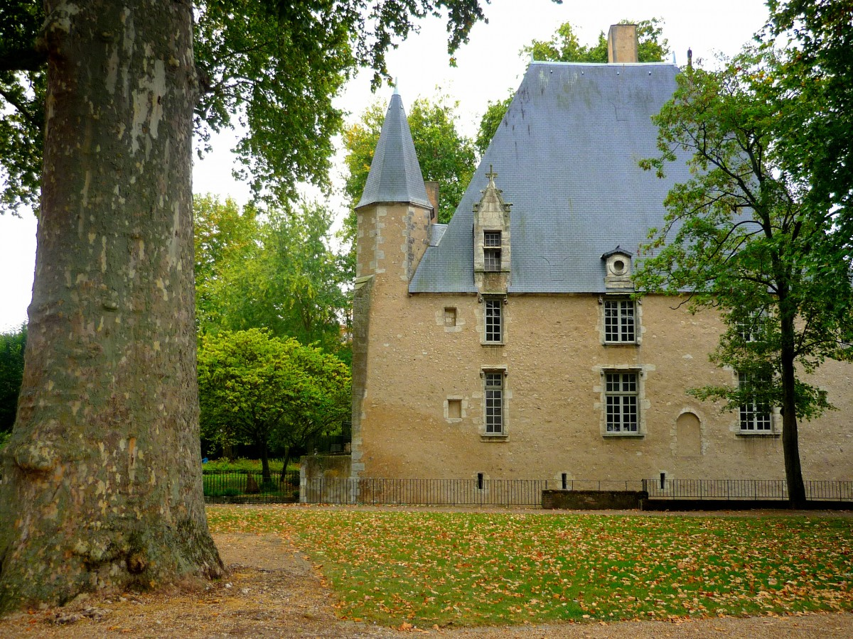 Hôtel du Saillant in Parc Ronsard, Vendôme © French Moments
