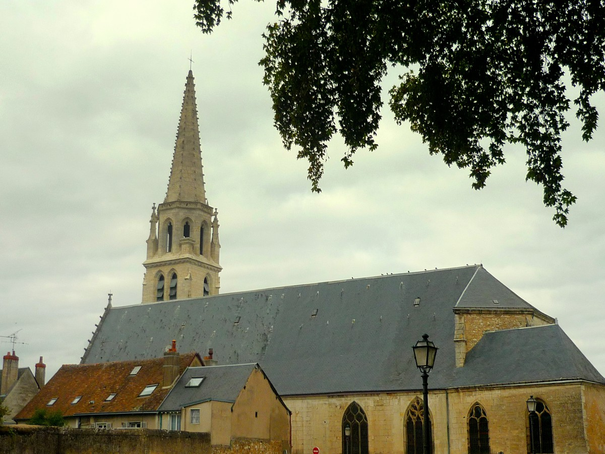 Ste Madeleine Church, Vendôme © French Moments