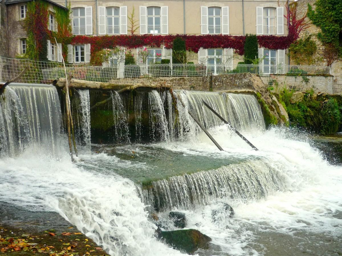 The Loir River near the water gate, Vendôme © French Moments