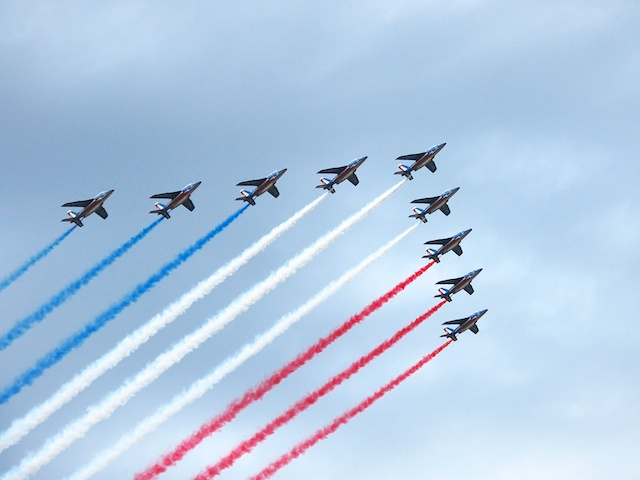 "The aerial parade of the ""Patrouille de France"" over the Champs-Élysées, 14th July 2007 © Tony Wills - Creative Commons (CC BY-SA 3.0)"