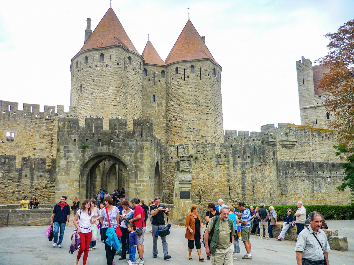 Cité of Carcassonne - Porte Narbonnaise (Narbonne Gate) © French Moments