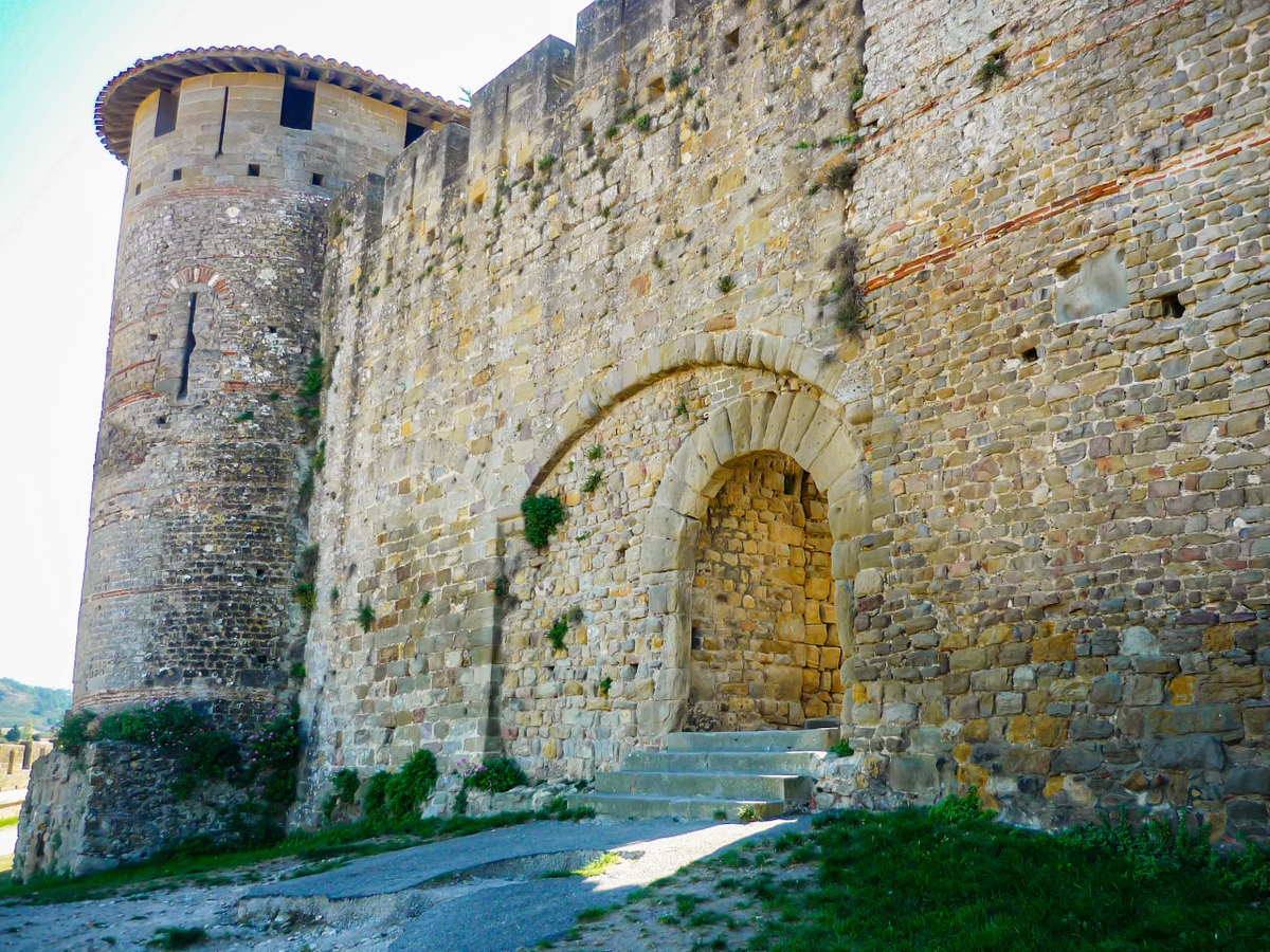 Cité of Carcassonne - Rodez Gate (Porte de Rodez) © French Moments