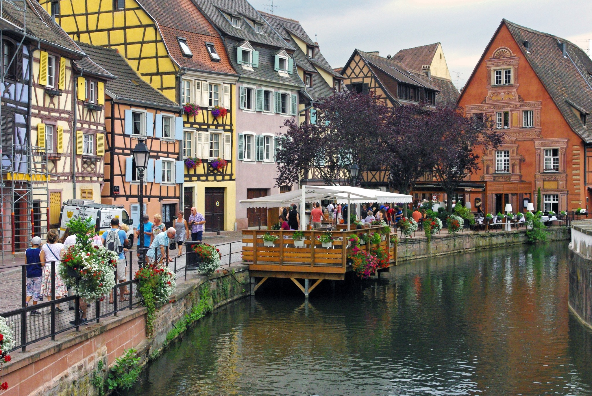 On the banks of the Lauch River, Colmar © French Moments