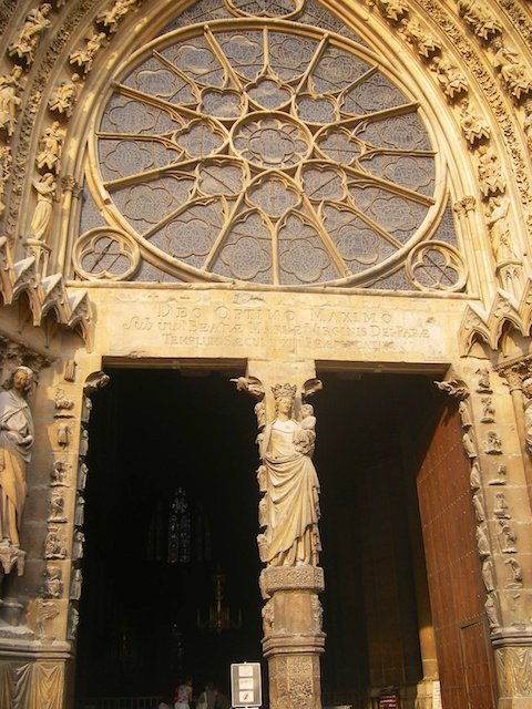 Central Portal, ReiCentral Portal, Reims Cathedral © Amba, Creative Commons (CC BY-SA 3.0)