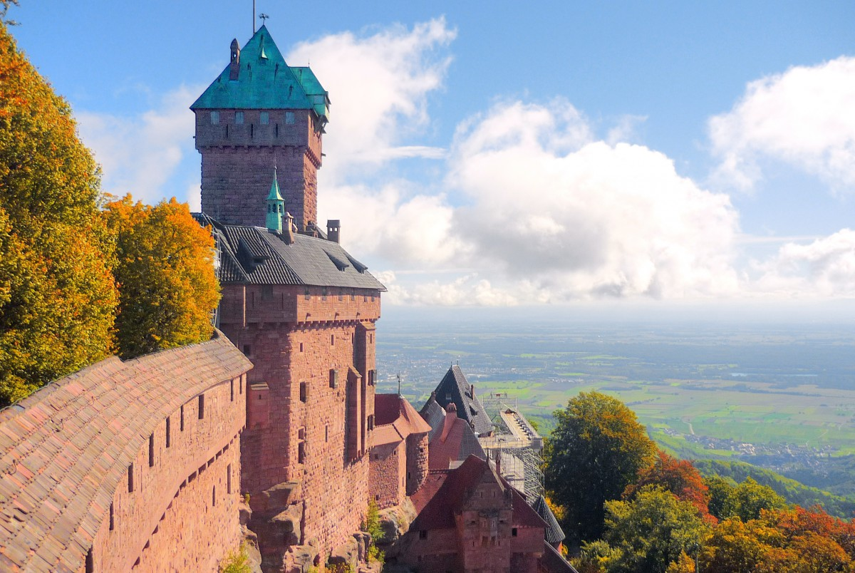 castles of France: The Haut-Kœnigsbourg castle and the view to the plain of Alsace © French Moments
