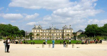 Luxembourg Garden in Spring 13 copyright French Moments
