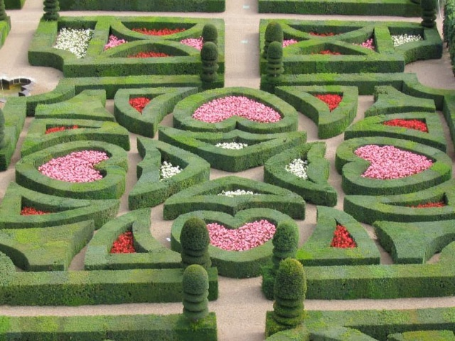 The Pleasure garden: Tender Love, Villandry by Claudev8 - wikipedia commons