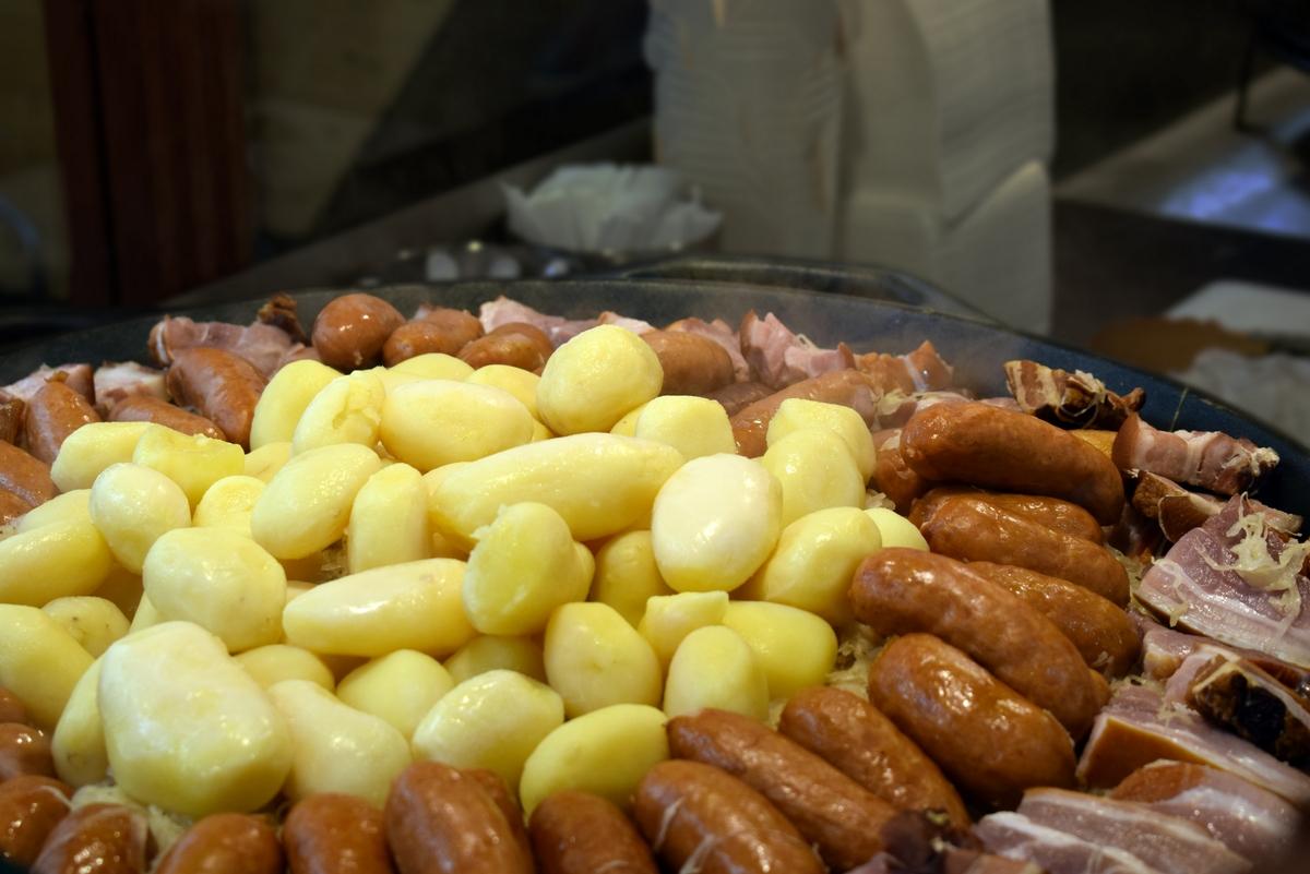 Sauerkraut at the Strasbourg Christmas market © French Moments