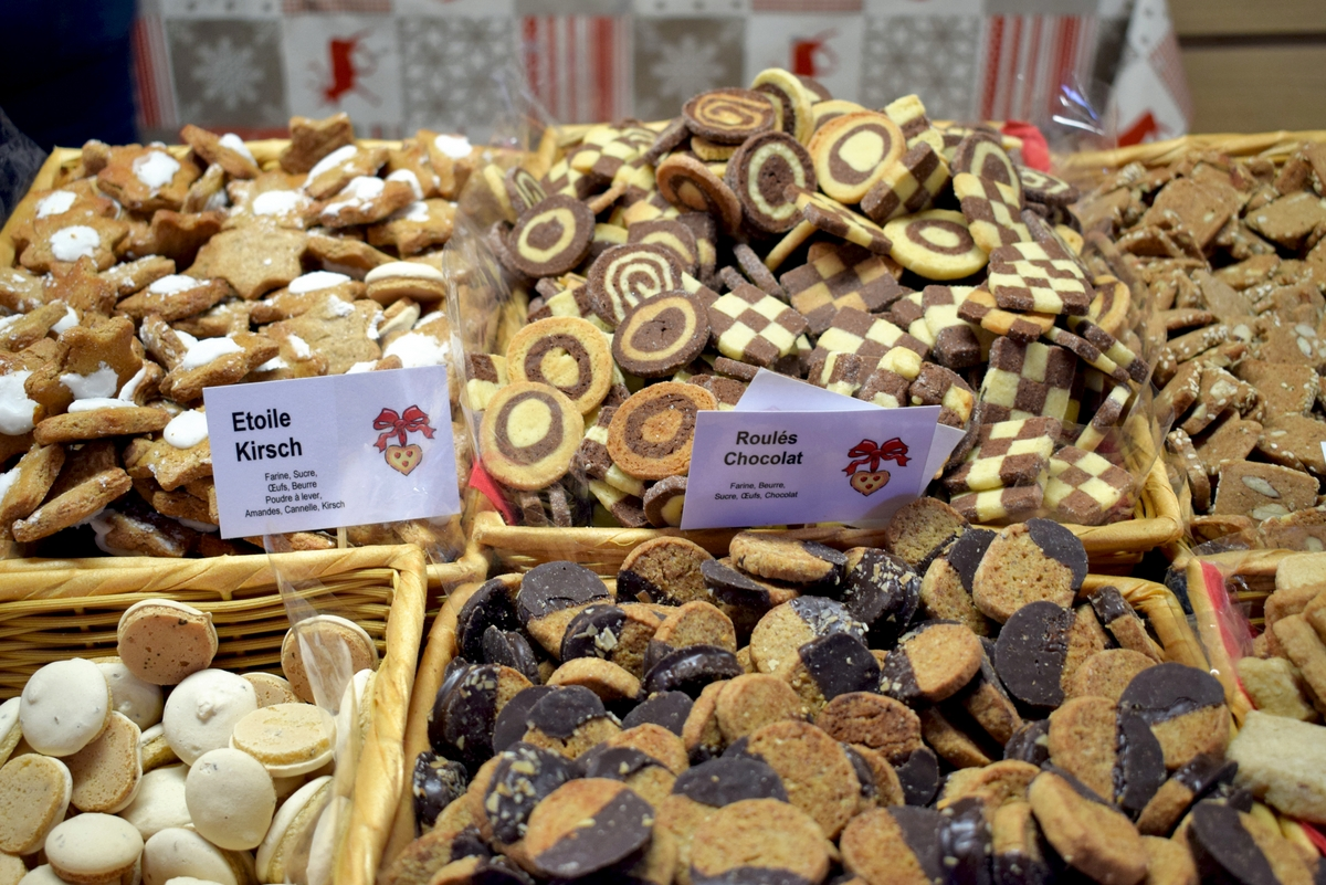 Bredeles, the Christmas cookies made in Alsace ! © French Moments
