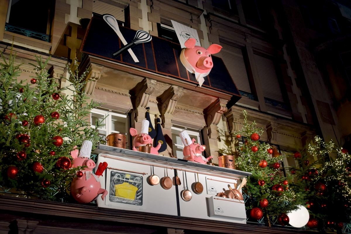 The Christmas decoration of Porcus Butchery © French Moments