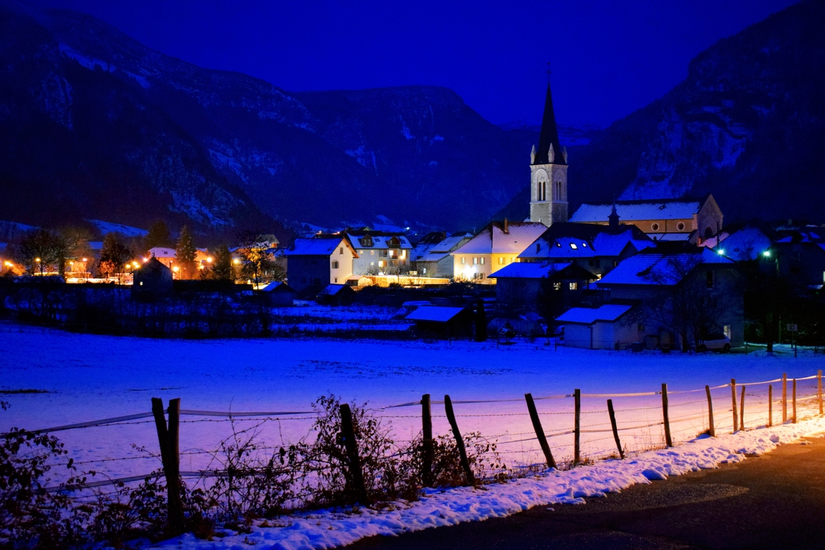 Thorens-Glières by night © French Moments
