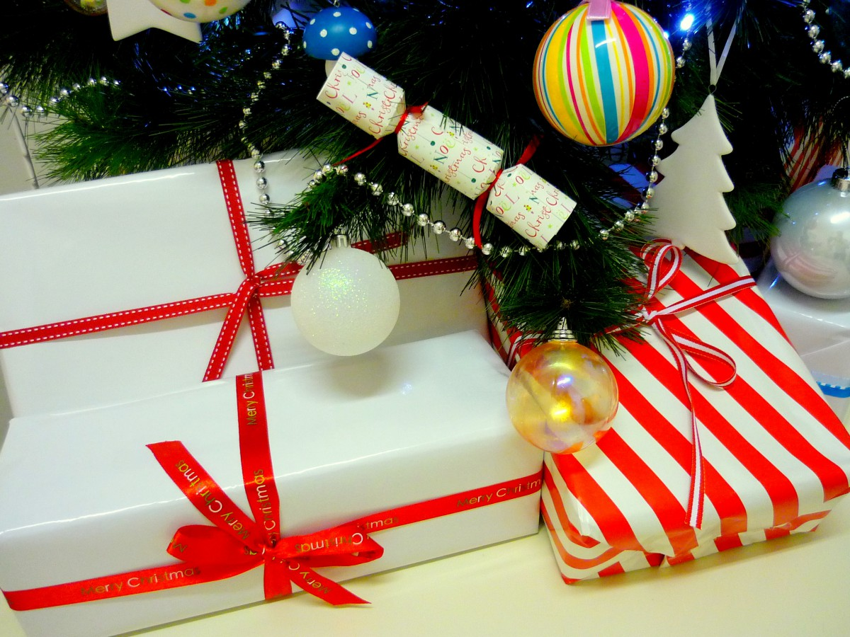 Christmas presents under the tree © French Moments