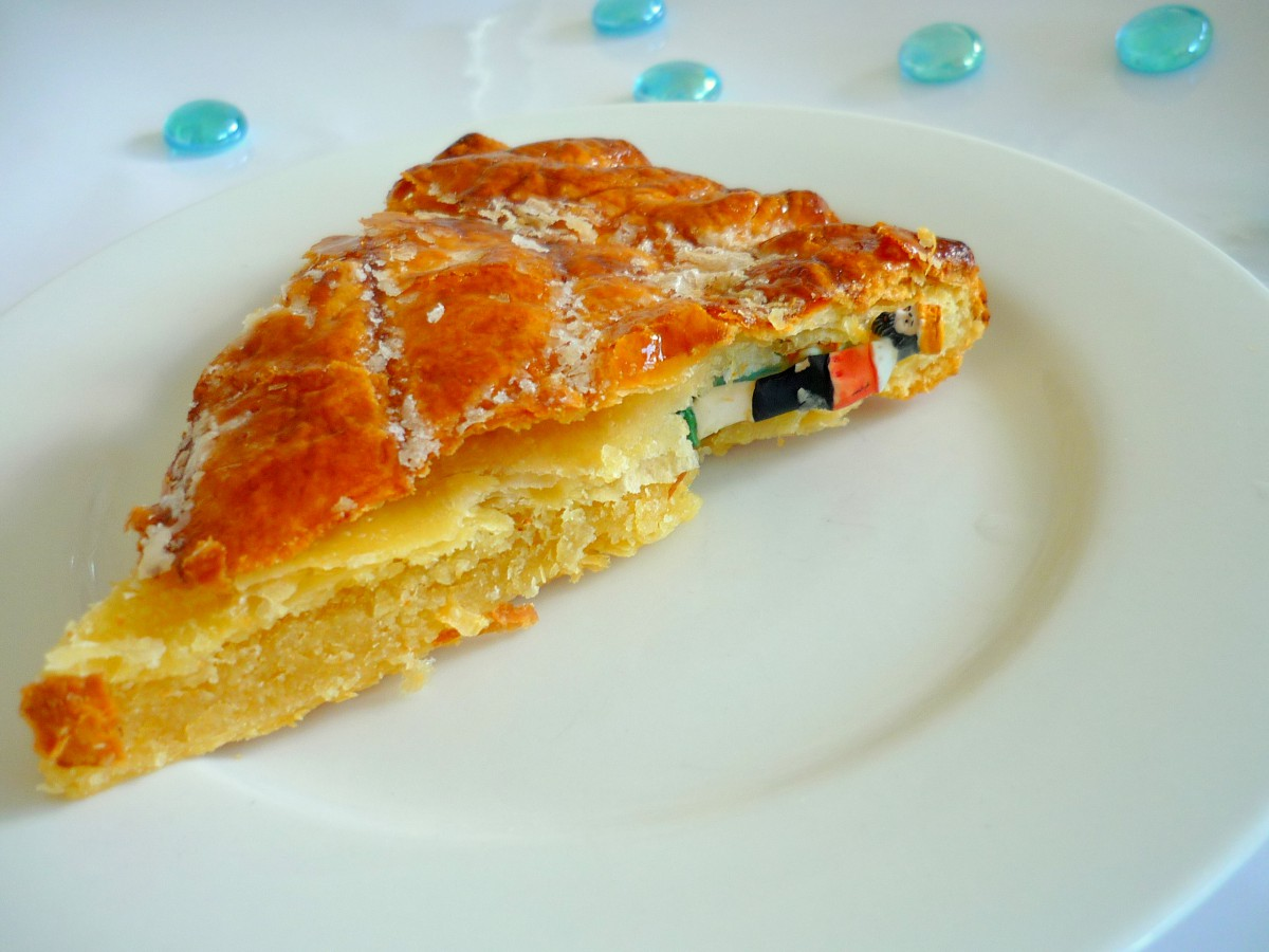 A slice of galette © French Moments