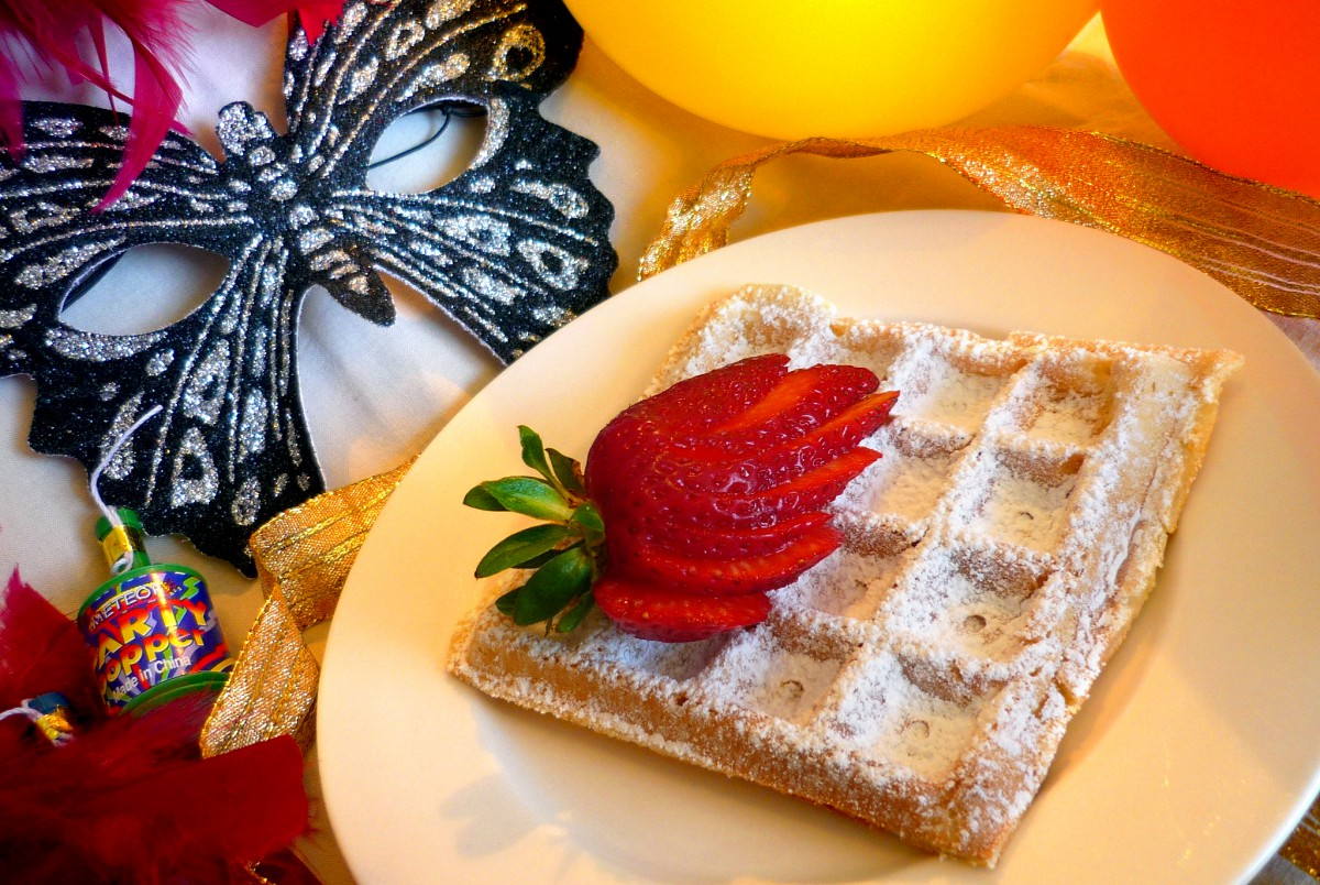 Mardi-Gras in France - Waffles for carnival © French Moments