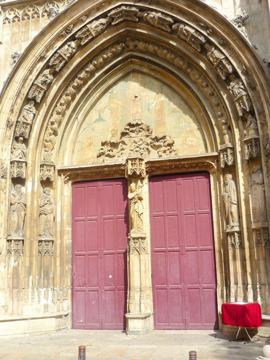 Main portal, St. Sauveur Cathedral, Aix-en-Provence © French Moments