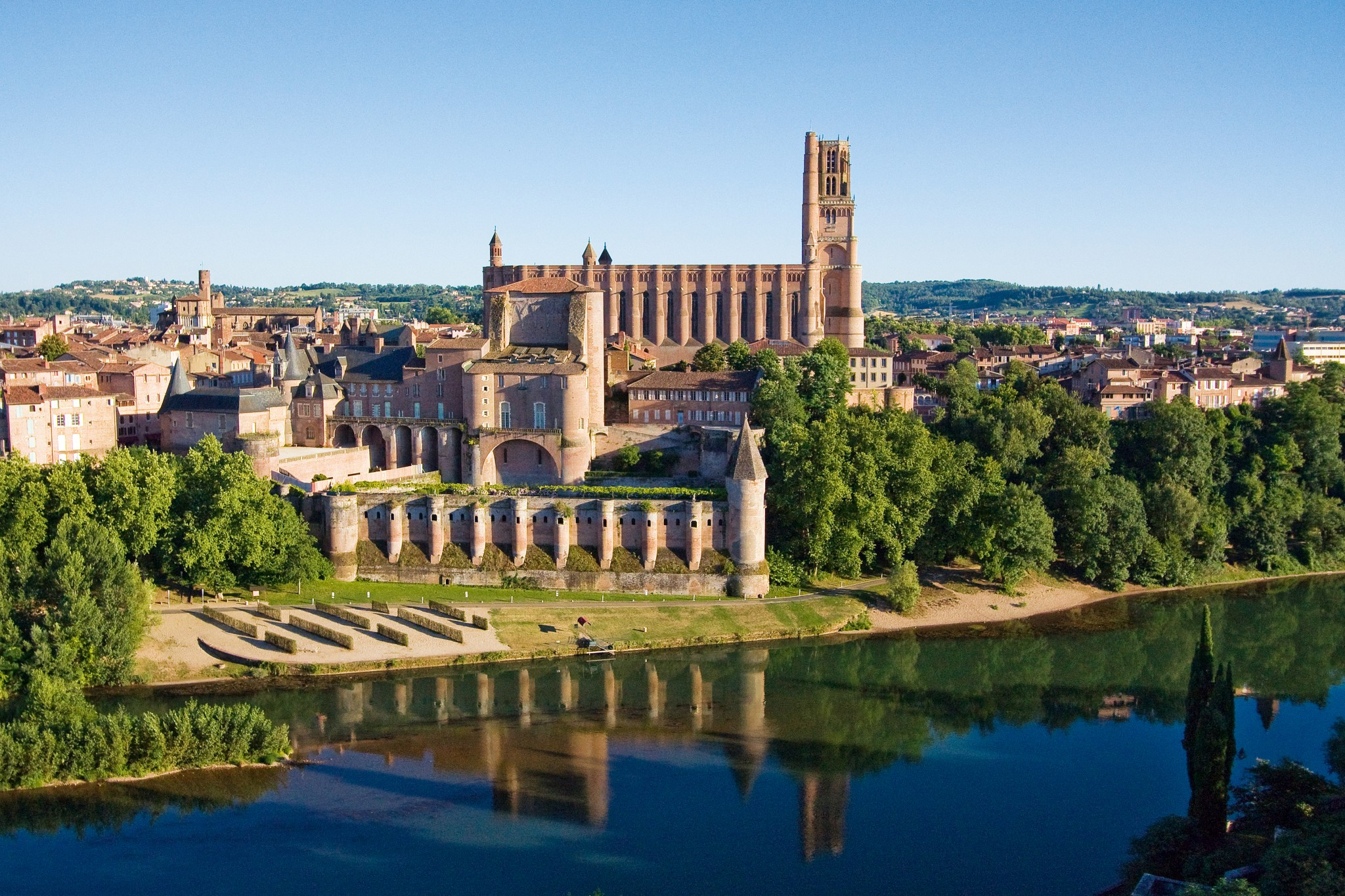 Albi old town tarn midi pyr n es french moments for Boulogne sur mer piscine
